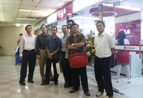 Grand Opening LG Mobile Service Center ITC Cempaka Mas